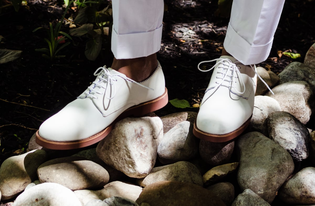 Summer Essentials: How To Rock White Bucks 2 Ways