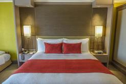 Crowne Plaza Bangkok review hotel room (7)