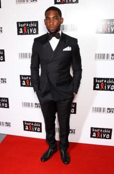 tuxedo with stingray shoes