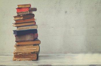 9 livros sobre vendas que você precisa incluir em sua biblioteca de negócios