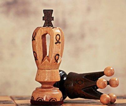 形が違うチェスの駒
