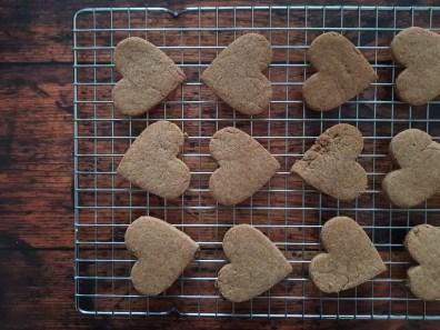 biscotti vegan al farro e castagne sfornati