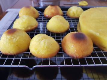 Inzuppatura della delizia al limone