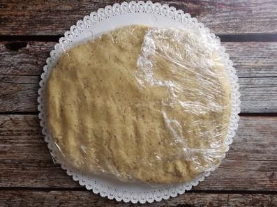 Far riposare la pasta frolla dei biscotti in frigo