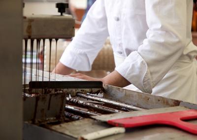 Gli attrezzi e gli ingredienti giusti per temperare il cioccolato