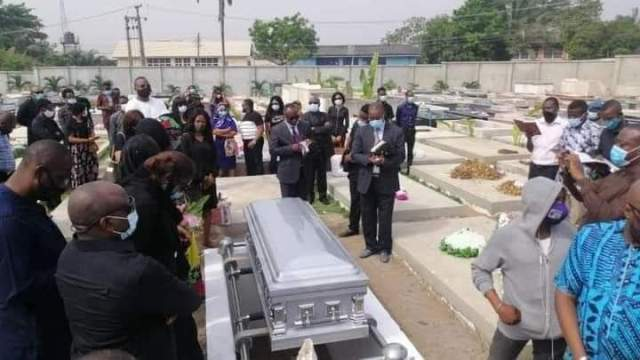 Infidelity: Photos From Burial Of Tunde Thomas As FCMB Releases Official Statement.
