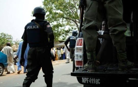 parading-suspect-by-nigerian-security