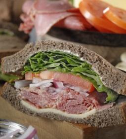 スタバのフード「パストラミビーフサンドイッチ」