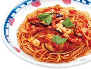 ジョリーパスタの日替わりランチ月曜日「ナスとモッツァレラチーズのトマトソース」