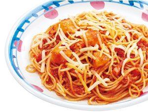 ジョリーパスタの日替わりランチ水曜日「ベーコンとポテトのトマトミートソース」