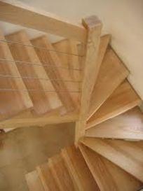 Escalier 2/4 tournant : Menuiserie BOUZON à Issoire 63500