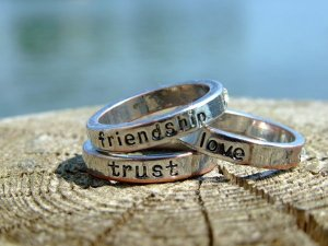 Kata Mutiara Cinta Persahabatan Terbaik