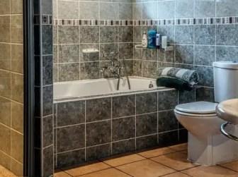 Arti Mimpi Membersihkan WC
