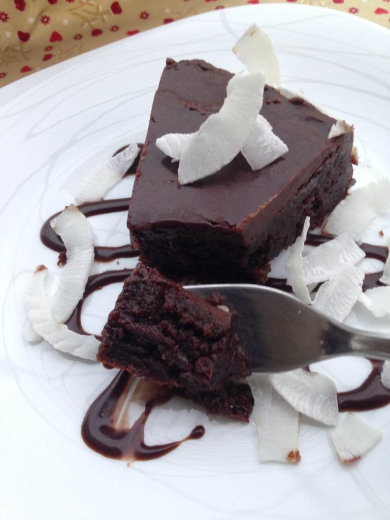 Bolo úmido de chocolate e amêndoas sem farinha e sem glúten