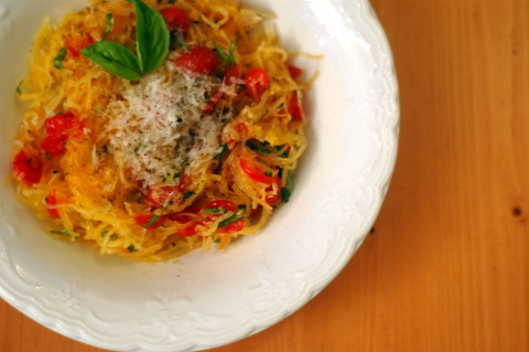 spaghetti-squash-with-tomatoes-and-basil