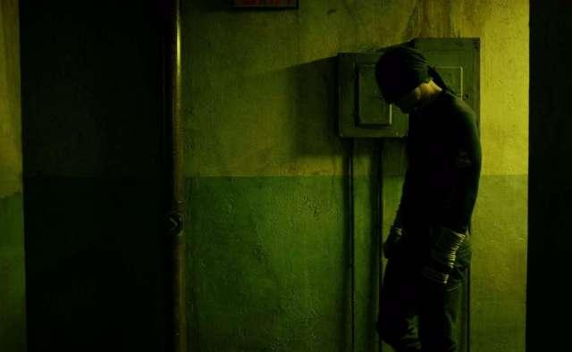 Daredevil_S01E02_720p_WEBRip_x264-SNEAkY-0-47-04-970