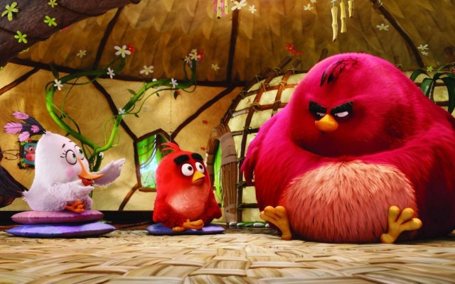 Matilda (Maya Rudolph), Red (Jason Sudeikis) and Terence in Columbia Pictures and Rovio Animation's ANGRY BIRDS.