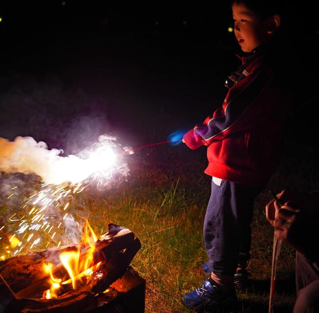 キャンプで花火