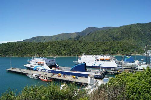 Ferry entre islas de Nueva Zelanda