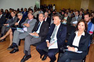 Representantes del cuerpo diplomático y de agencias de cooperación internacionales en primer plano en el auditorio donde se desarrolló el acto en la sede del Ministerio.