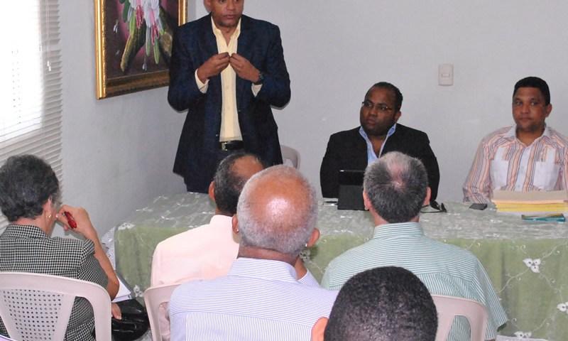 Encuentro MEPyD iglesias evangélicas Santiago