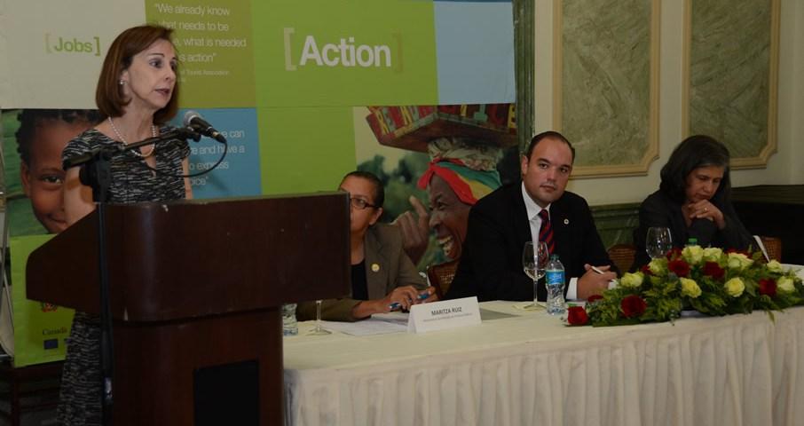 Flora Montealegre, representante del BID, durante su disertación en el Foro para el Crecimiento del Caribe