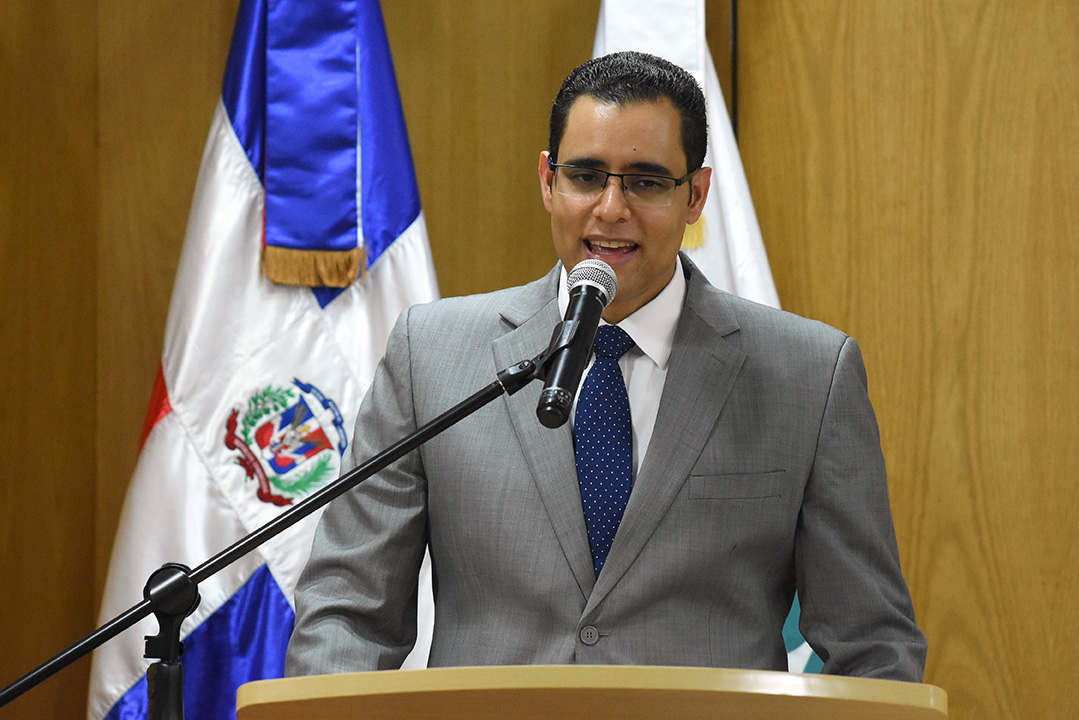 El ministro de Economía, Juan Ariel Jiménez, valora los esfuerzos del equipo de liderazgo y colaboradores del Centro Nacional de Fomento y Promoción de las Asociaciones Sin Fines de Lucro (CASFL).