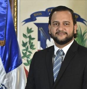 Luis Madera Sued, Director General de Desarrollo Económico y Social