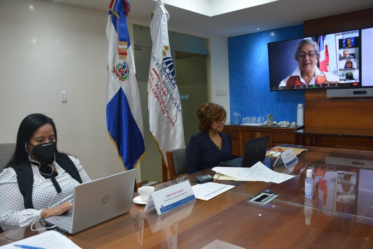 La viceministra de Cooperación Internacional del ministerio de Economía, Planificación y Desarrollo, Olaya Dotel, participa de manera virtual en la presentación programa de apoyo para la mejora del aprovechamiento de CARIFORUM de los compromisos asumidos en el Acuerdo de Asociación Económica (EPA) del 11º FED