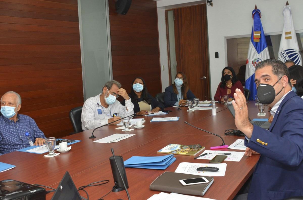 El director de Planificación y Desarrollo de la Zona Fronteriza, Erick Dorrejo, encabezó las consultas sobre educación, productividad y capital humano. Las consultas seguirán con temas de medio ambiente, salud pobreza, acceso a financiamiento, agua, energía, conectividad, telecomunicaciones, ambiente, riesgo y cultura.