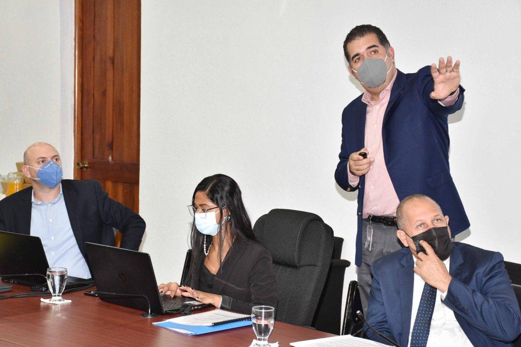 El director de Planificación y Desarrollo Fronterizo, Erick Dorrejo, indica que las consultas servirán para revisar y validar los hallazgos levantados en el proceso de análisis.