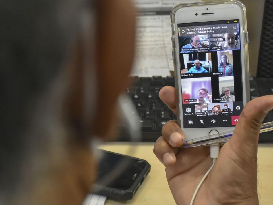 Imagen de la reunión virtual encabezada por el ministro de Economía, Miguel Ceara Hatton