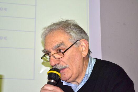Le Trésorier André ESCOBAR à la tribune de l'Assemblée générale ordinaire de MER 47