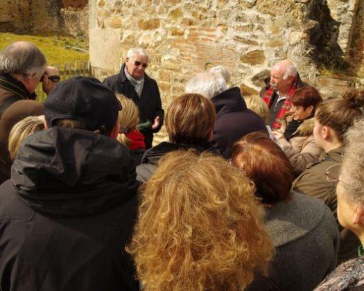 Robert Hebras nous guide à Oradour sur les traces des victimes du nazisme