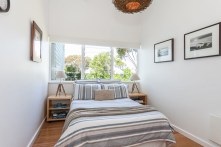 beach-house-guest-bedroom