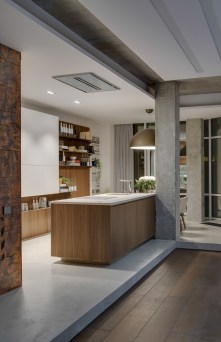 concrete-pillars-kitchen