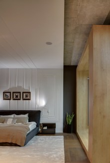 molded-wall-bedroom-frames-above-bed