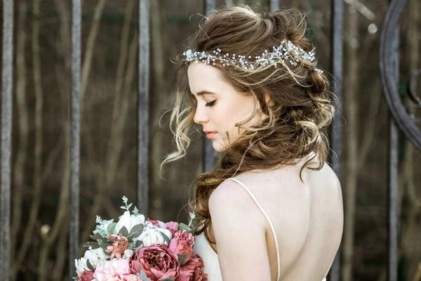 10 Easy Bridesmaid Hairstyles For Long Hair