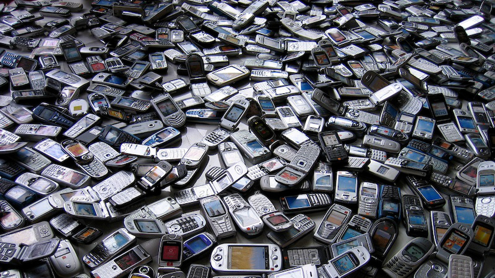 5 Uses of Old Smartphones