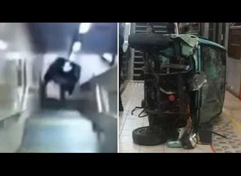 Vândalos empurram carro em uma escadaria do metro