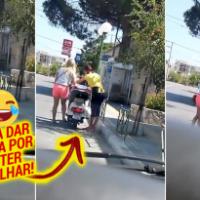 Loira é filmada tentando ligar uma scooter da maneira mais engraçada
