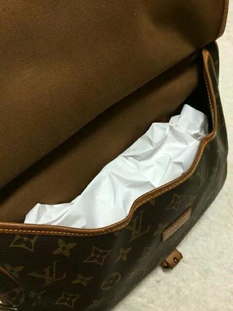 薄紙を入れ型崩れ防止