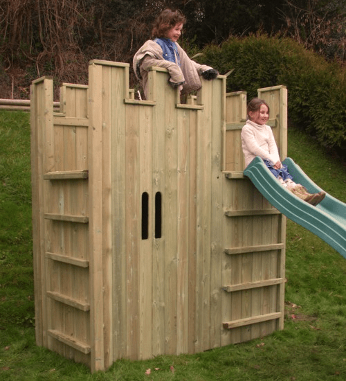 1-wooden-castle-playhouses-for-kids