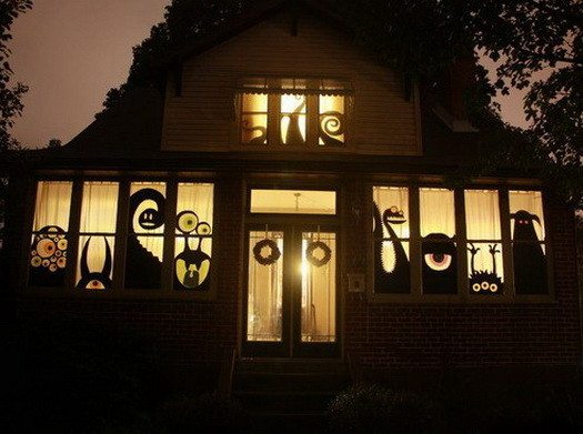 Scary-Outdoor-Halloween-Decorations-And-Silhouettes_23