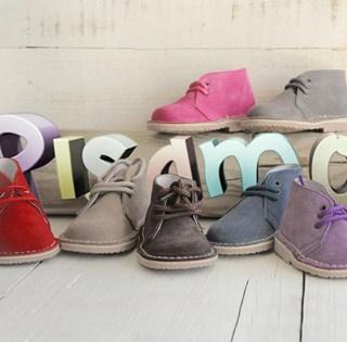 Pisamonas: ai piedi dei bambini.