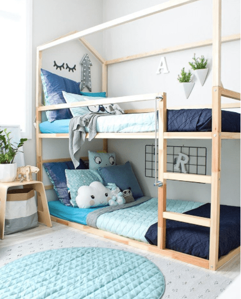 20 idee per trasformare il letto kura di ikea mercatino. Black Bedroom Furniture Sets. Home Design Ideas