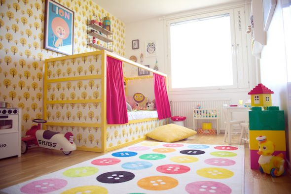 ikea-kura-bed-wallpaper