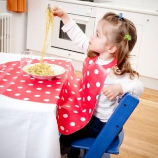 I bambini che mangiano non sporcano più!