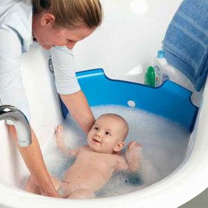 <!--:it-->Bagnetto? Salviamo spazio e acqua con la barriera nella vasca<!--:-->