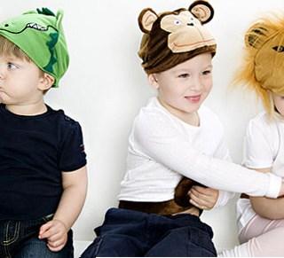 <!--:it-->Cappelli + coda: un costume facile per i bambini<!--:-->